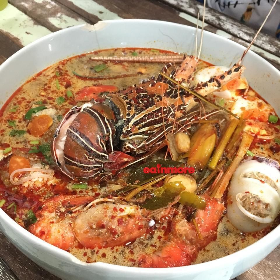 lobster tomyum with maggie 2